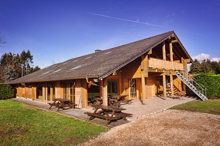 Chalet californien adventure valley durbuy - Chalet en bois swan valley ...